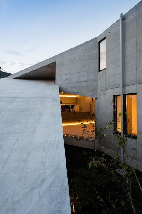 babel-moon_House-in-Hyogo-Shogo-Aratani-01.jpg