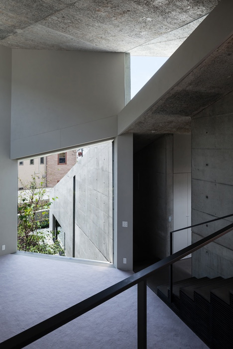 babel-moon_House-in-Hyogo-Shogo-Aratani-05.jpg