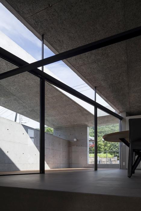 babel-moon_House-in-Hyogo-Shogo-Aratani-06.jpg