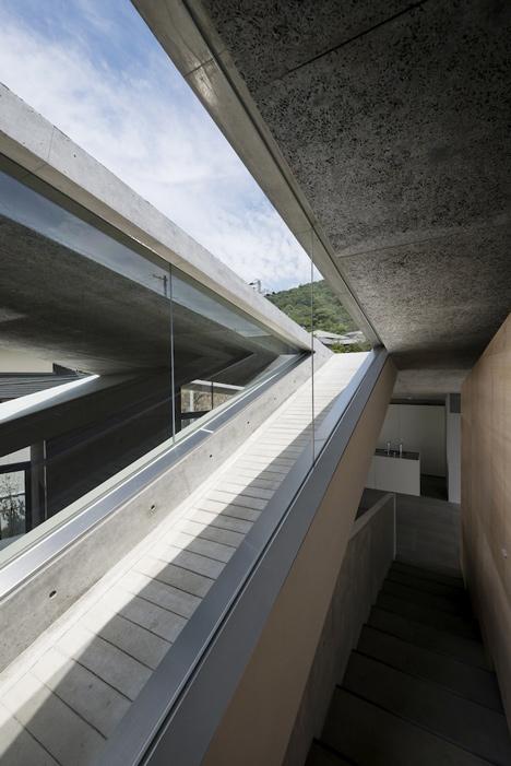 babel-moon_House-in-Hyogo-Shogo-Aratani-11.jpg