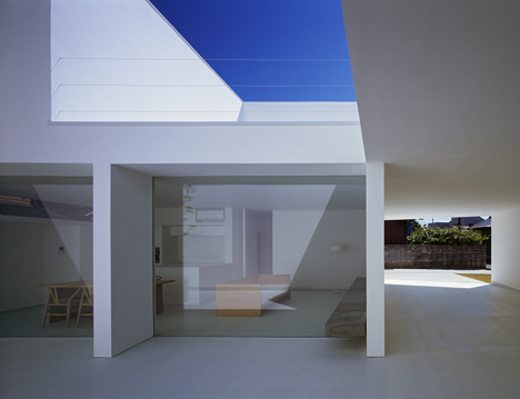 babel-moon-White-Cave-House-Takuro-Yamamoto-Architects-4.jpg