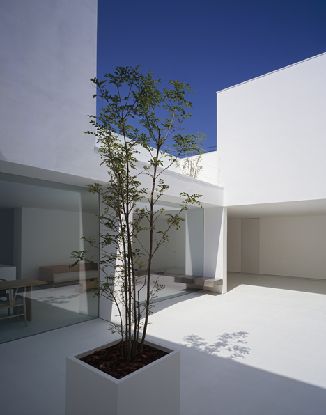 babel-moon-White-Cave-House-Takuro-Yamamoto-Architects-7.jpg