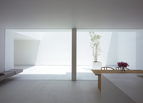 babel-moon-White-Cave-House-Takuro-Yamamoto-Architects-9.jpg
