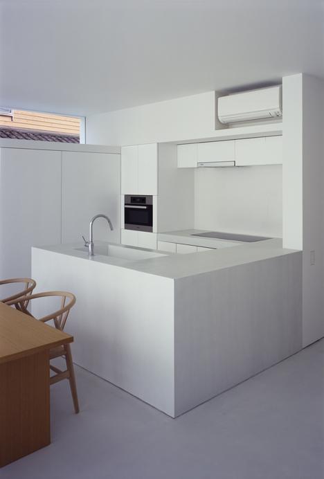 babel-moon-White-Cave-House-Takuro-Yamamoto-Architects-11.jpg