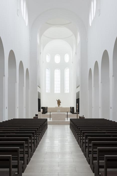babel-moon-St-Moritz-Church-John-Pawson-9.jpg