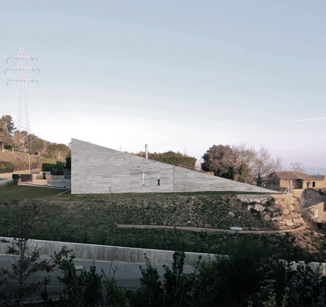 babel-moon-Casa-Montfulla-Hidalgo-Hartmann-Arquitectura-1.jpg