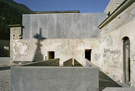 babel-moon-Fortress-of-Franzensfeste-Markus-Scherer-Walter-Dietl-14.jpg