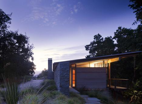 babel-moon-Halls-Ridge-Knoll-Guest-House-Bohlin-Cywinski-Jackson-13.jpg