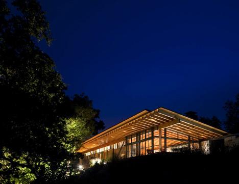 babel-moon-Halls-Ridge-Knoll-Guest-House-Bohlin-Cywinski-Jackson-15.jpg