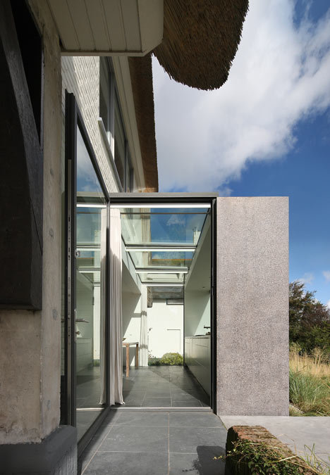 babel-moon-House-N-Maxwan-3.jpg