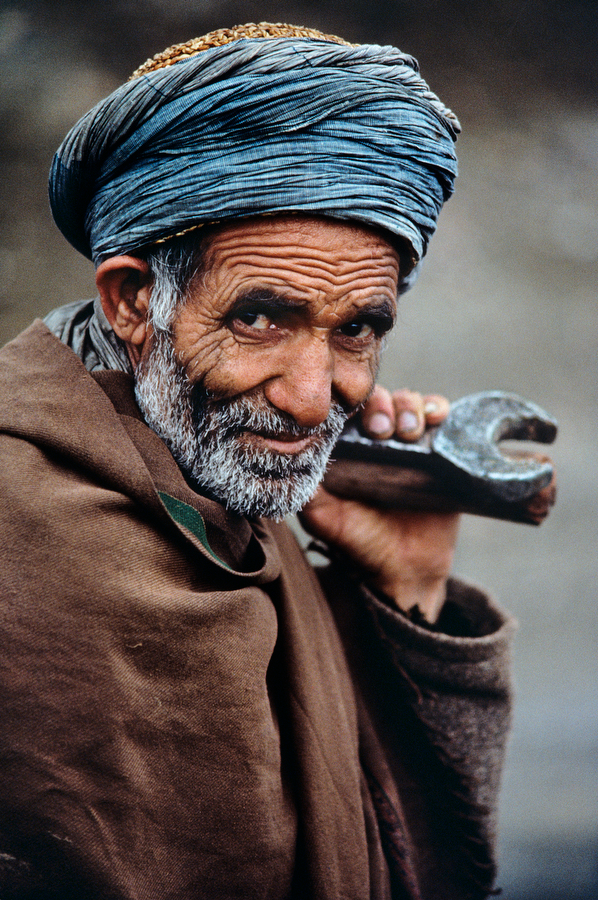 Shot in Landi Kotal, Federally Administered Tribal Areas, Pakistan. Photography by Steve McCurry.