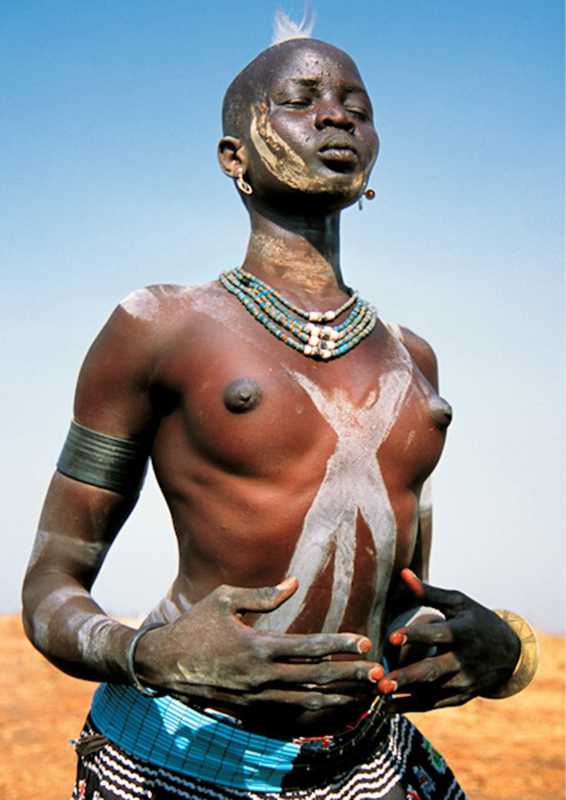 Stunning images of a tribe from Sudan4.jpg