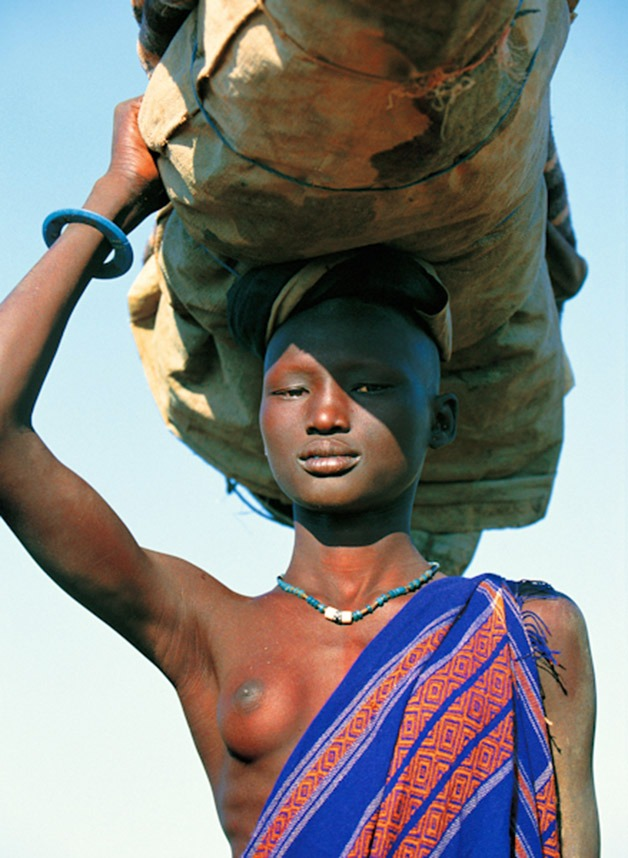 Stunning images of a tribe from Sudan5.jpg