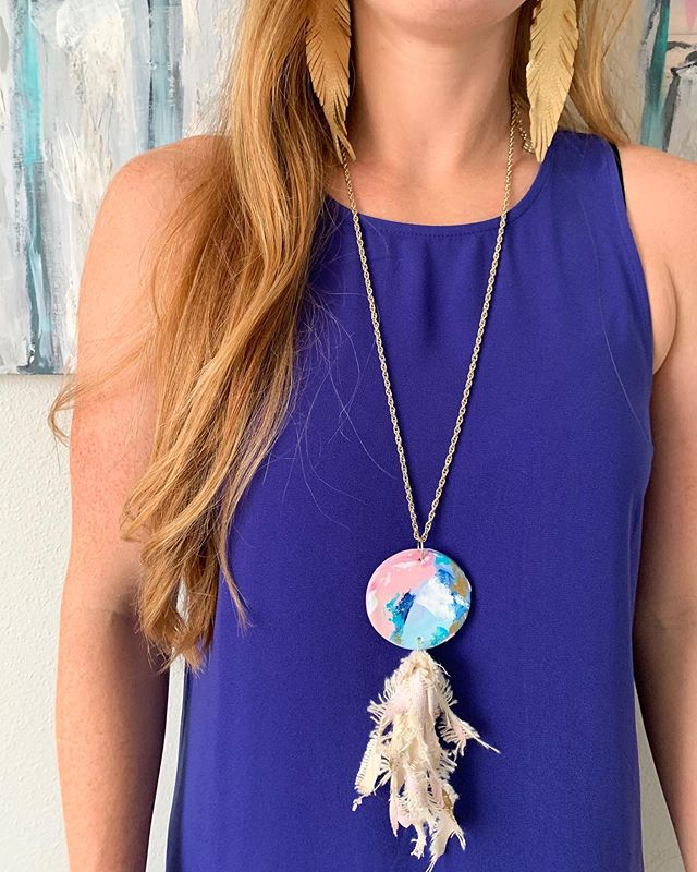 Statement necklace comin atcha😏. Who is a fan of fun jewelry🙋🏼♀️? Each piece of my jewelry is hand-kneaded out of clay, baked, and painted with original art, including the hand-stripped canvas used to make each tassel. Very limited supply will be available soon! Let me know your thoughts! #kellyhovisart . . . #art #artist #abstractartist #artwork #canvas #acrylics #texture #calledtocreate #modern #modernart #contemporaryart #painting #decor #entrepreneur #dreamjob #commission #commissionart #interiordecor #interiordesign #decor #tampaartist #floridaartist #wallart #gallerywall #doitfortheprocess #creative #creativepreneuer