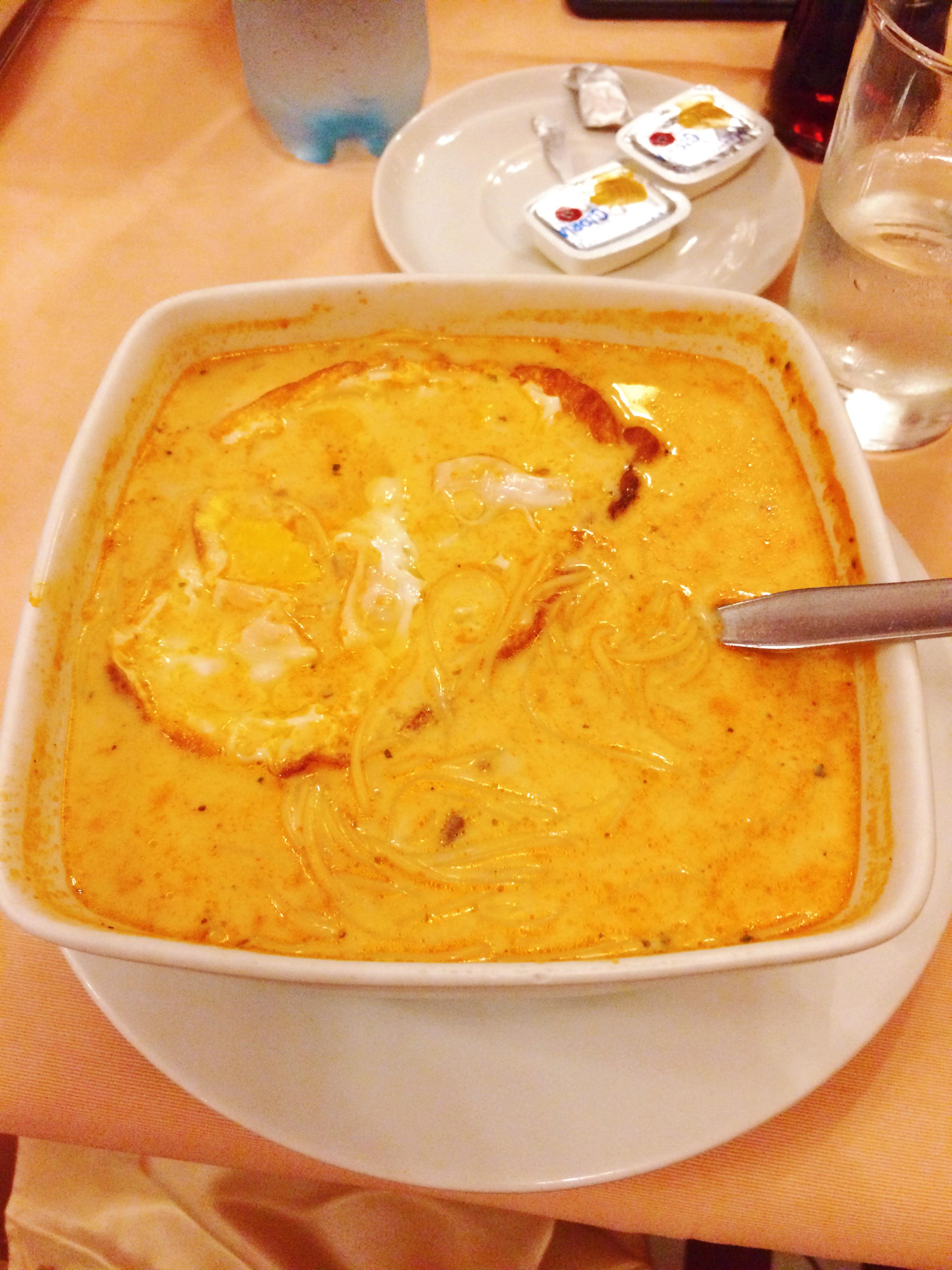 Sopa a la minuta (yo creía que era Sopa criolla, pero después me enteré que era a la minuta!!) Es riquísima.