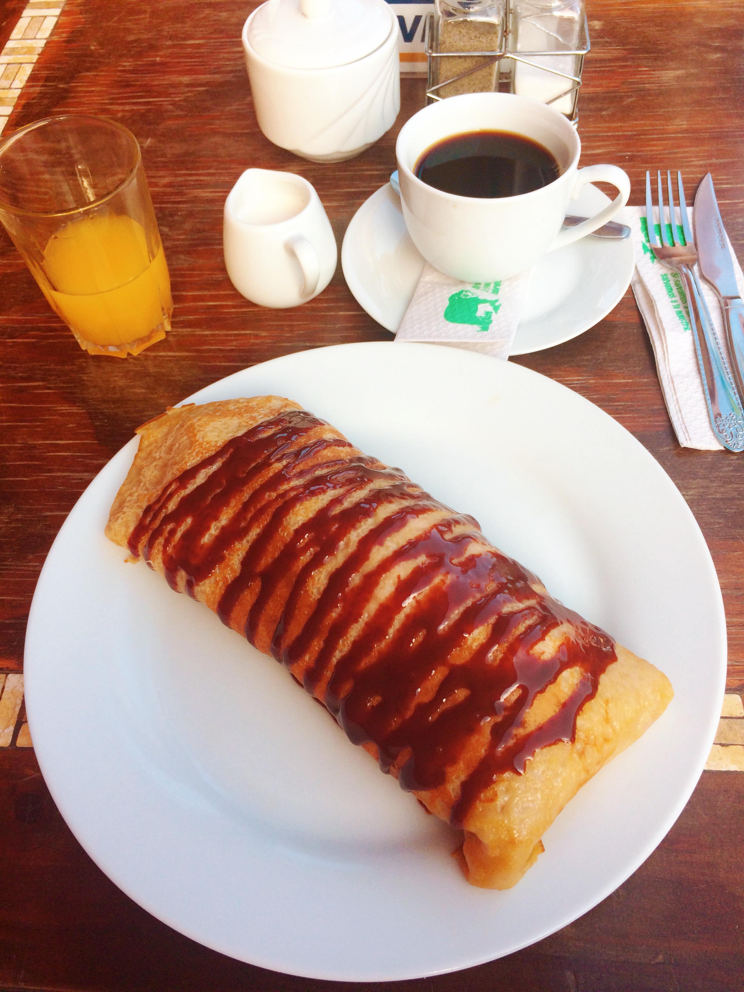 Desayuno en el oasis de Huacachina, Ica, Peru #oasis #huacachina #ica #travelperu