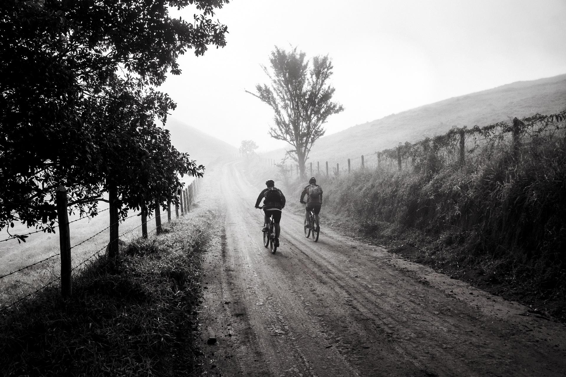 bike-trip-friends-cycling-163305[2].jpeg