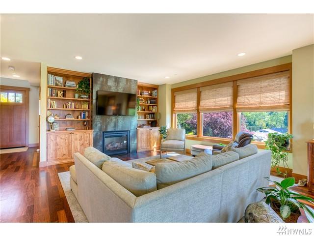 Fireplace-Family-Room.jpg