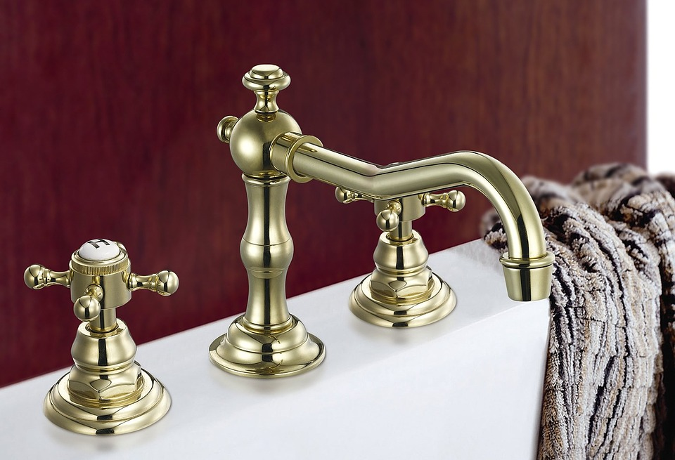 bathroom-4841_960_720.jpg