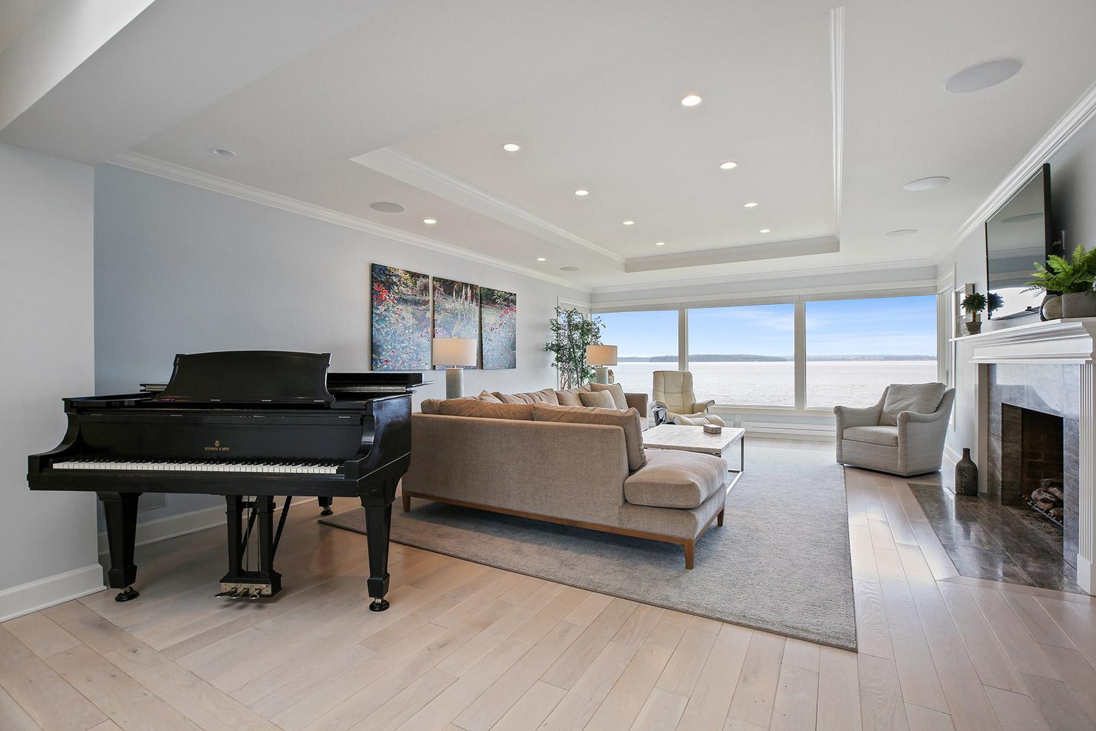 Living Room After.jpg