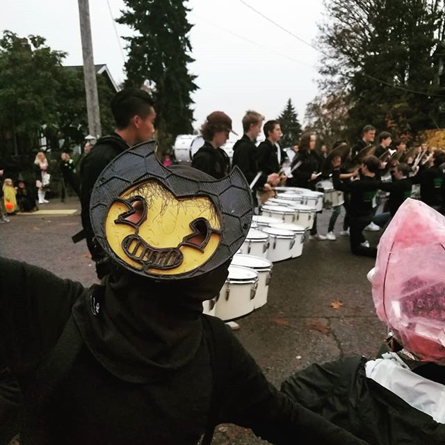 Halloween parade!  #lifeinAmerica #Halloween #seattle #seattlefall
