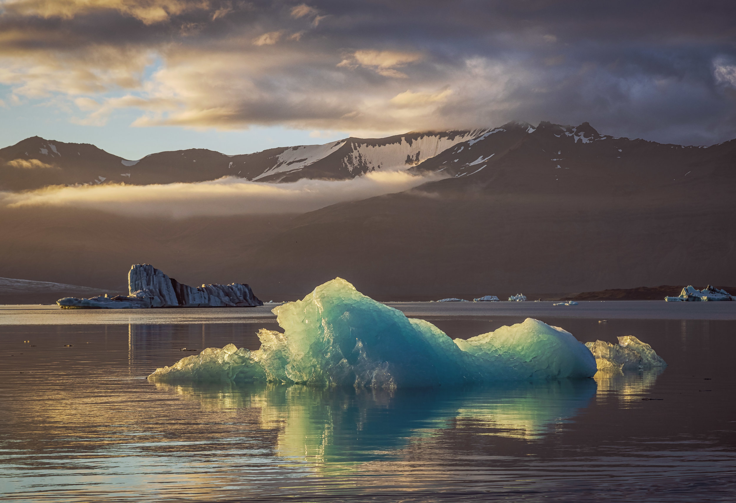Sunset at the popular Jokulsarlon Glacial Lagoon