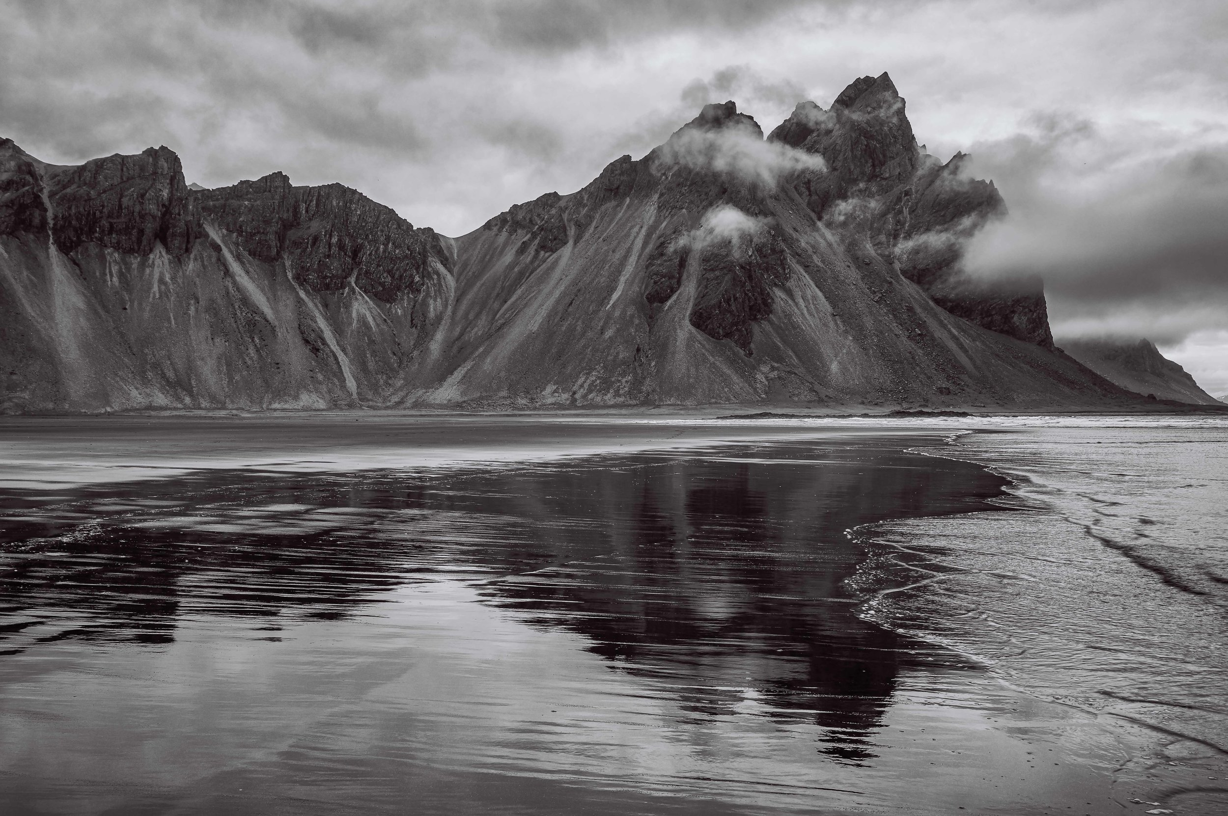 A cloudy afternoon at Vestrahorn Mountain