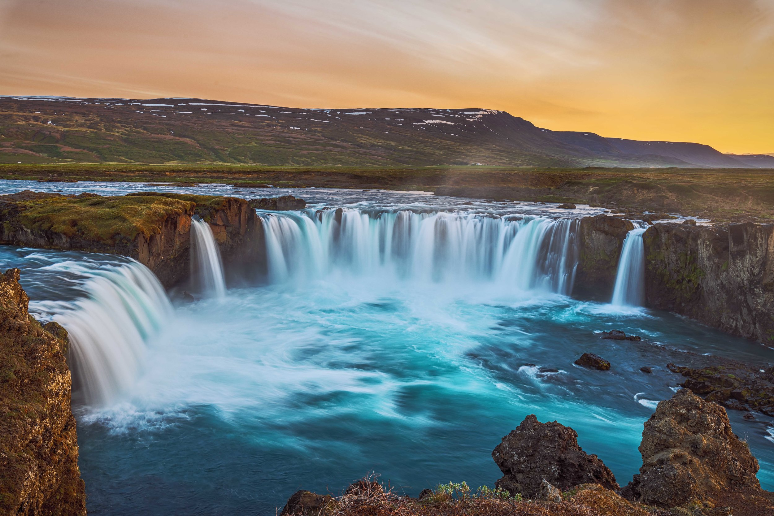 A colorful evening at Godafoss
