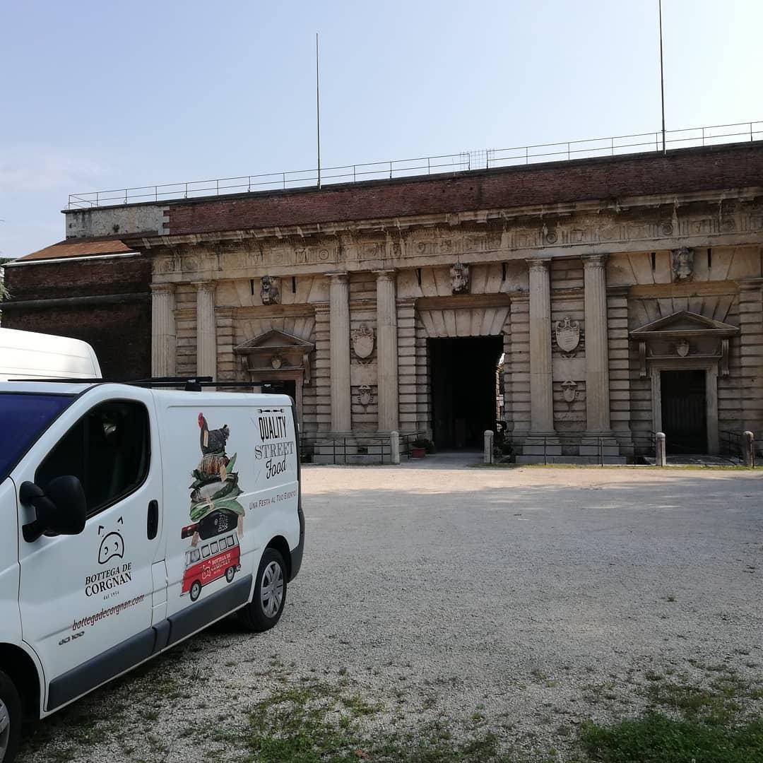 Leonardo Porta Palio 1.jpg