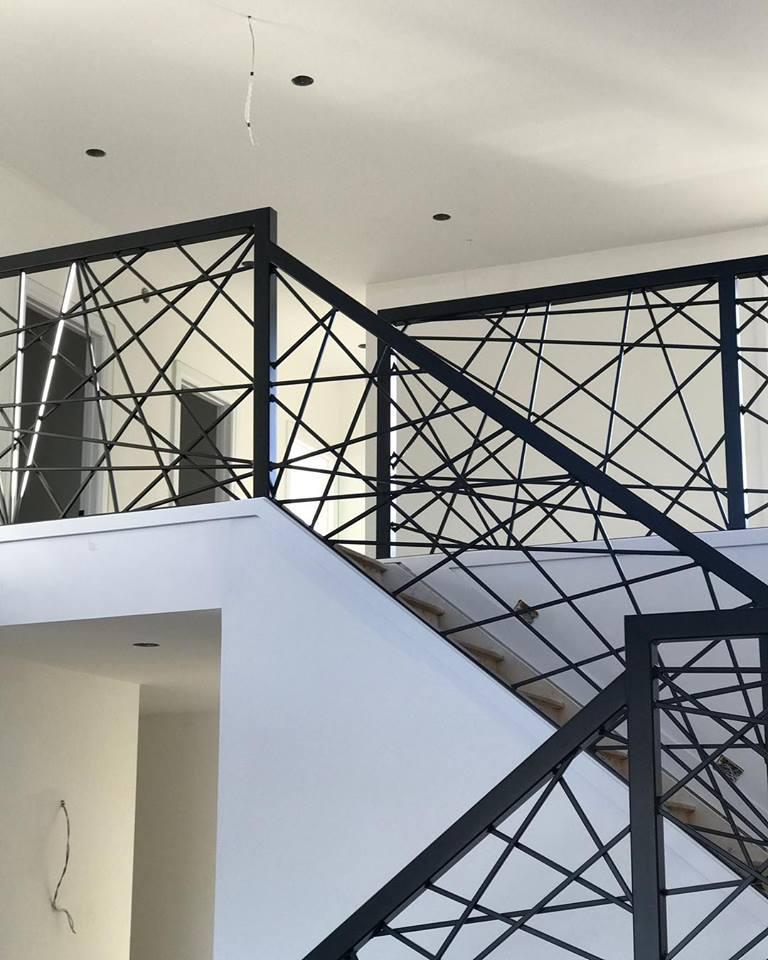 railing residentail.jpg