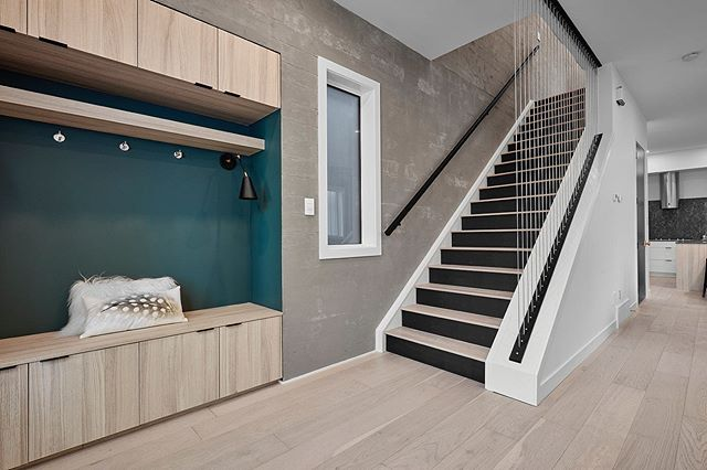 What do you think of this sleek steel cable wall for this recent stairway?  Home Builder: @urban_edge_homes  #yeg  #alberta #edmonton #yeginteriordesign #yegdesign #design #interiordesign #interiors  #yeghomes  #yegreno #yegcustom