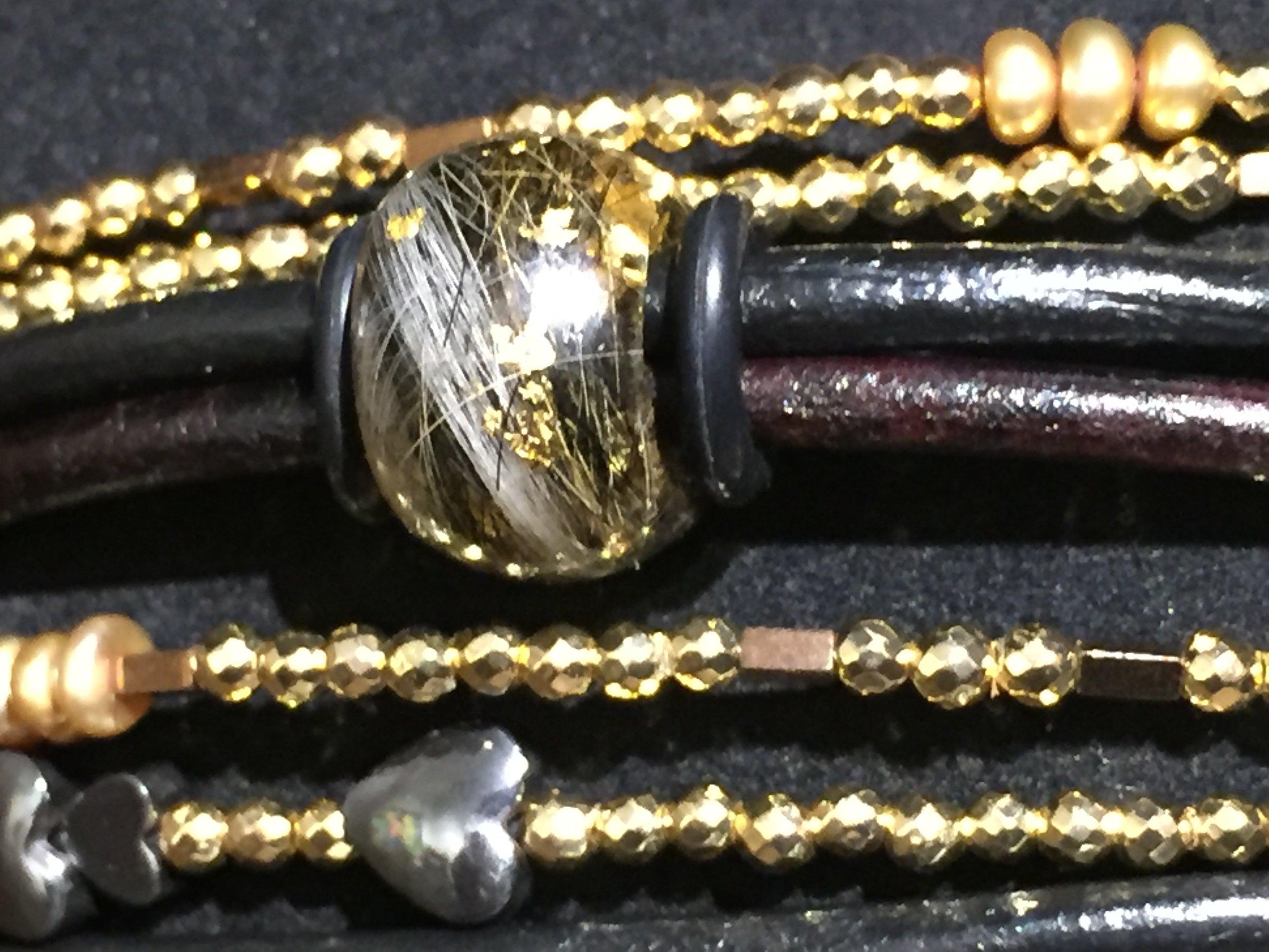 smykker lavet af hundehår