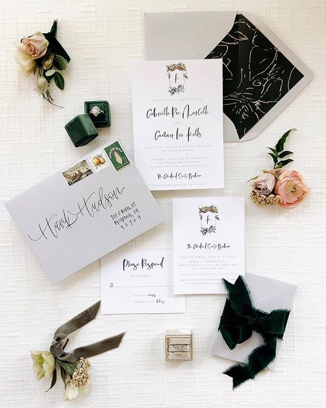 One of my favorite things is getting my invitation suites styled for pictures. Clearly @jade.magnolia is the master at this! Loved collaborating with @elliekoleen & @jade.magnolia for this amaazing workshop  they hosted!