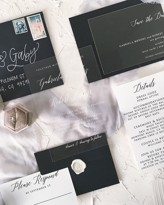 Check out this cute couples invitation suite😍🔥 Yes that's an acrylic save the date AND invitation.