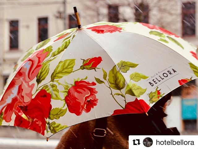 The details matter, even on a rainy day! Great pic by @hotelbellora of the umbrella we recently designed, produced and delivered to them! ☔️ / _______________________________________________________ #stillback #essgroup #hotelbellora #umbrella #paraply #branding #detaildesign #hoteldetails #hoteldesign #brandexperience #brand #profil #upplevelsedesign #varumärkesgestaltning #itsallinthedetails #fysiskkommunikation #tryckochprofil #design #fysiskkommunikation #bespoke #bespokedetails #happy