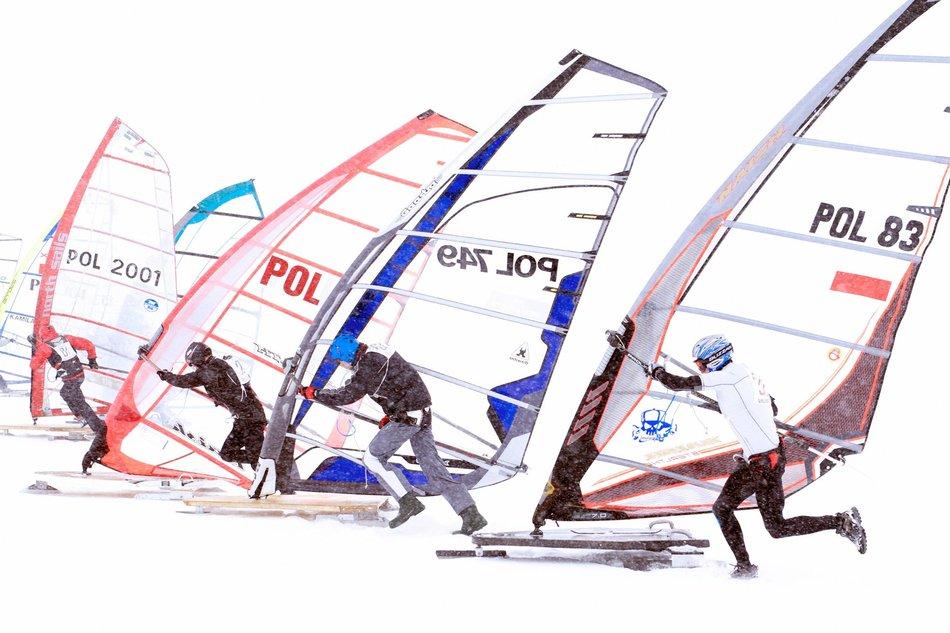 crazy-winter-sports-snow-sailing.jpg