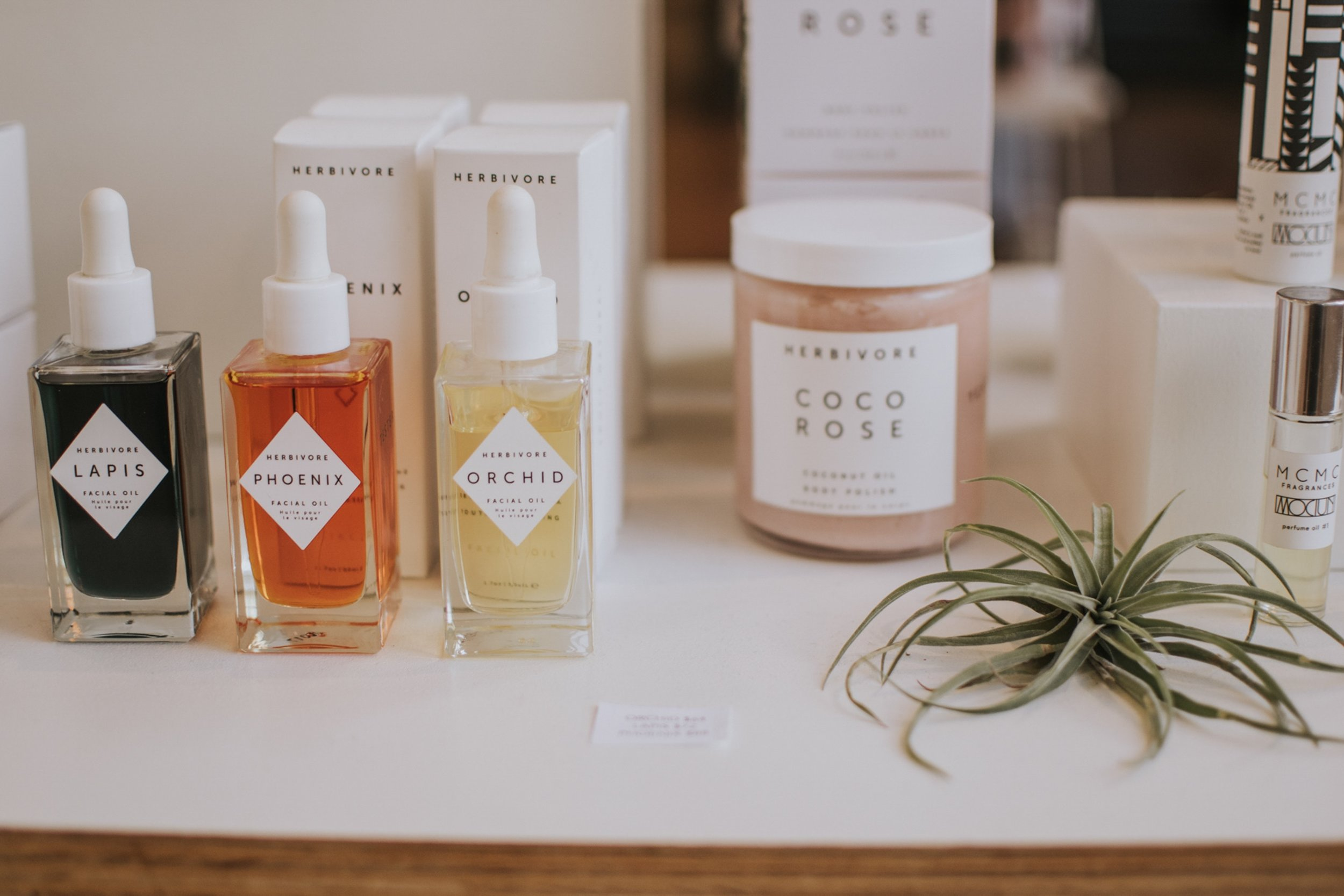 Best eco conscious eco friendly nontoxic skincare beauty online retailers and stores | Conscious Fashion Collective