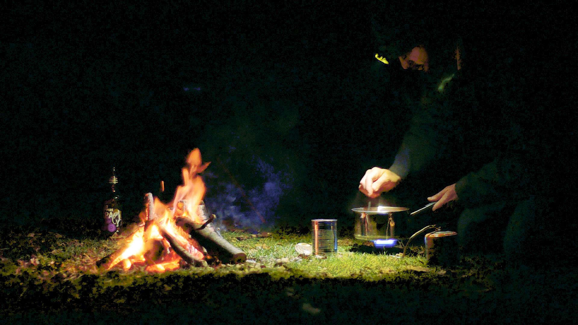 VALO_Video SS_Camping.jpg