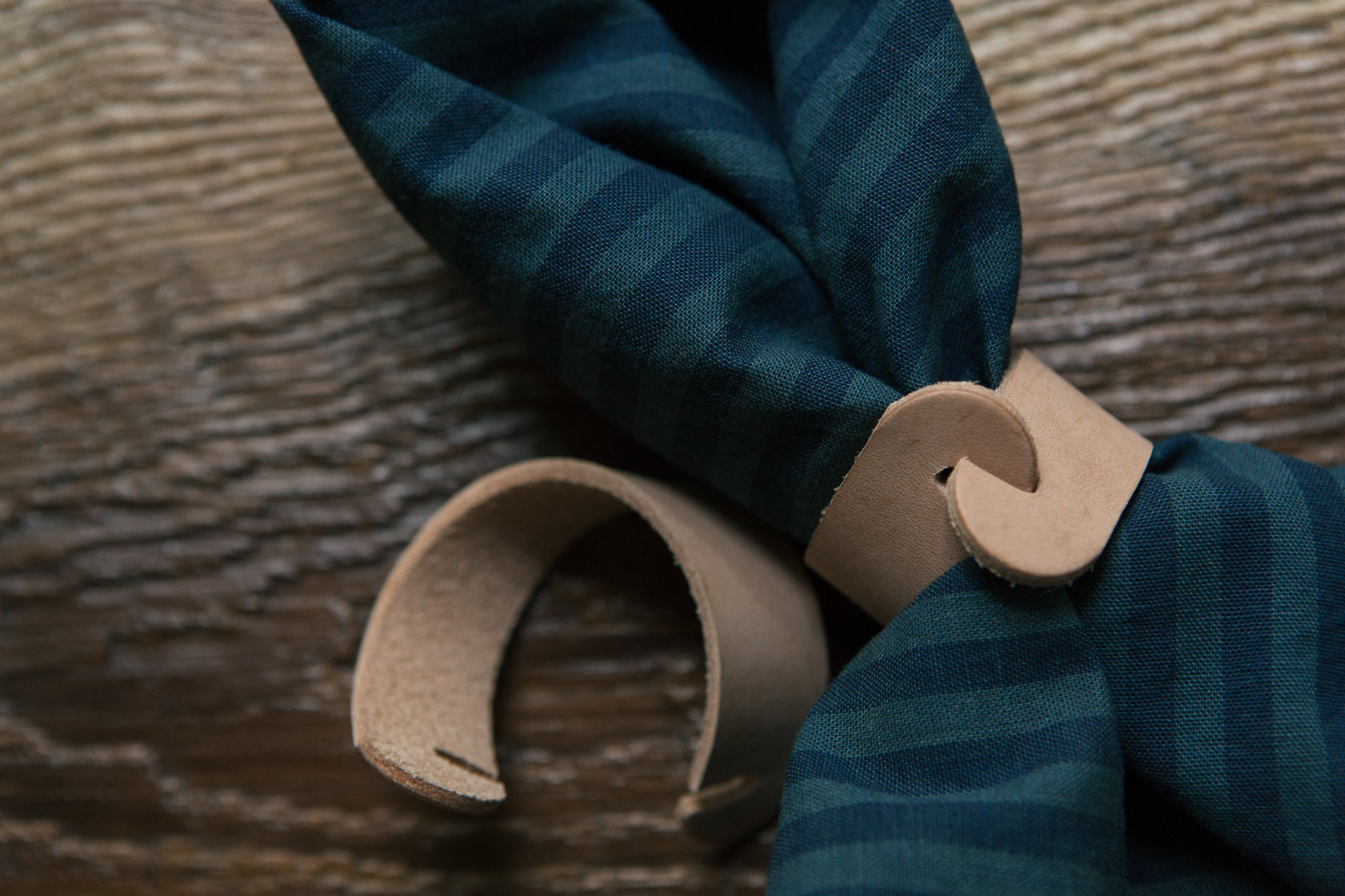 janet crowther diy leather napkin rings