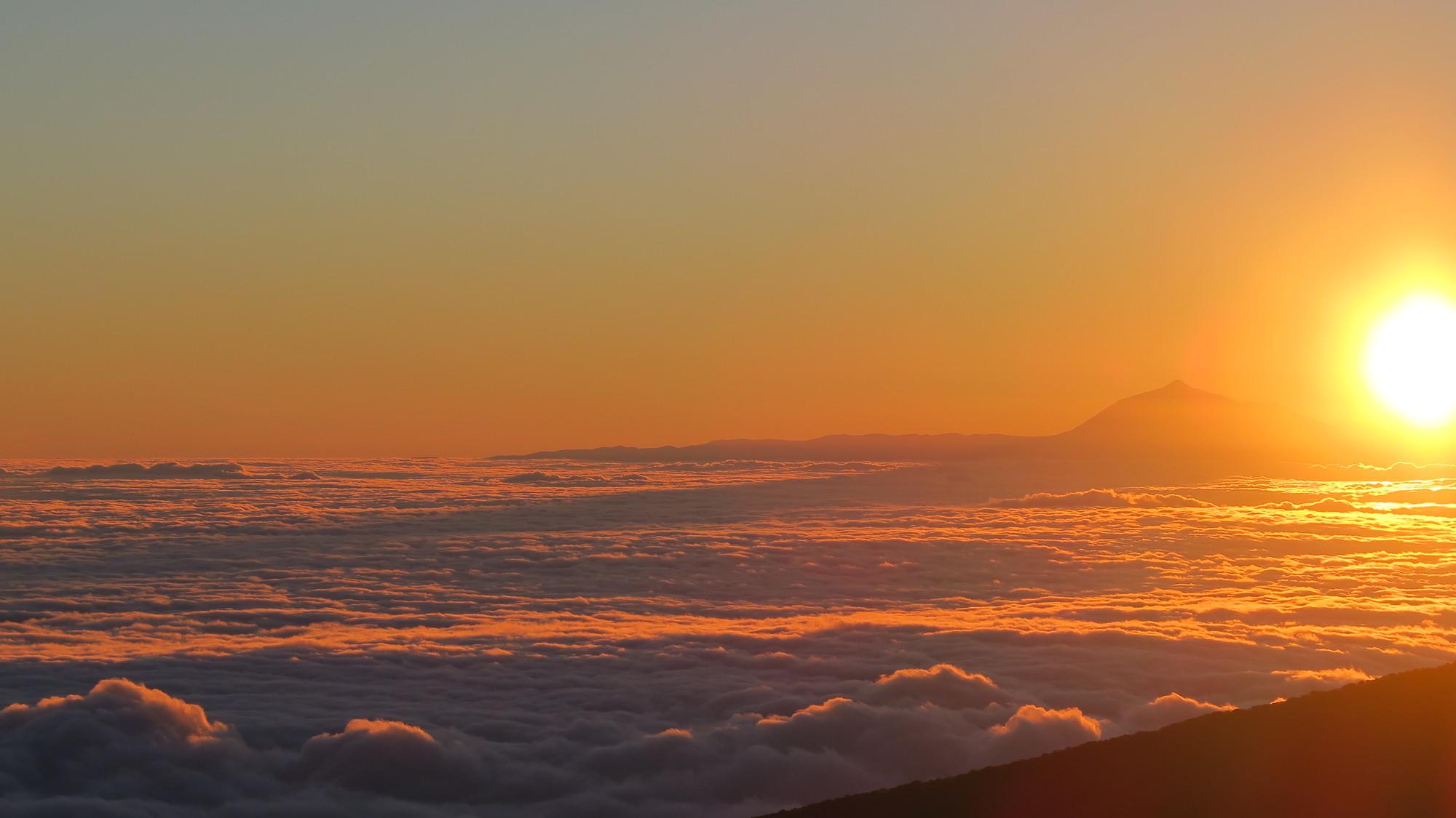 Sunrise. That boob is Tenerife.