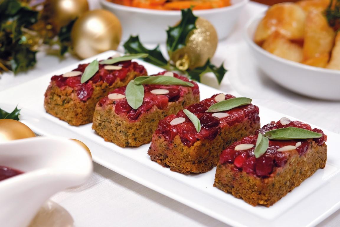 Adorable individual nut roasts - © Viva!