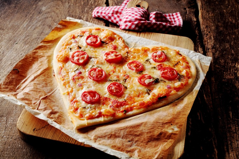 Woo Your Date Like An Italian With An Outdoor Pizza Oven