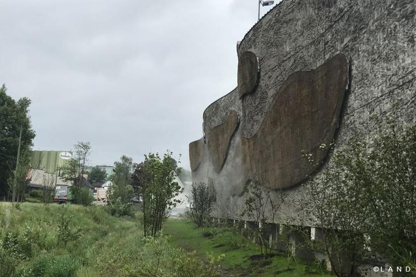 krombacher wall land