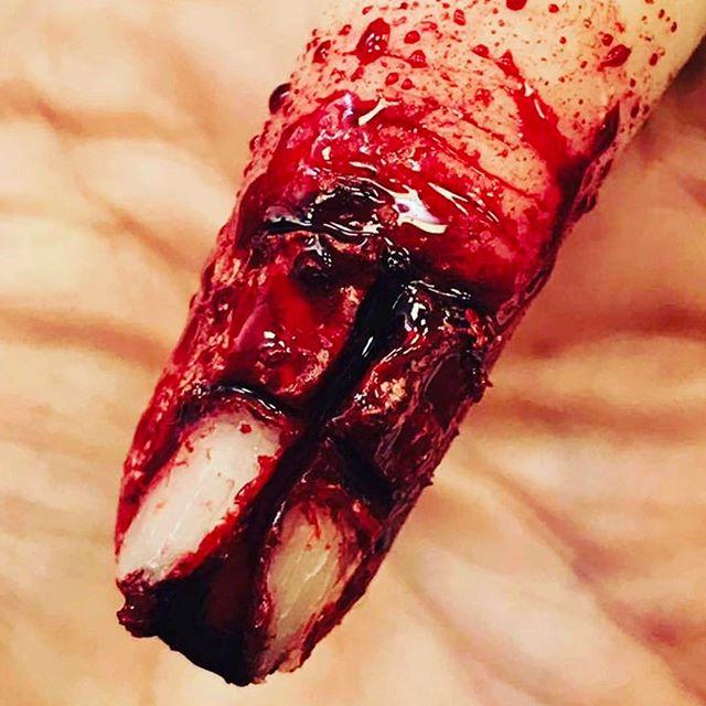 #wound #cuts #makeupartist #makeupschool #makeup #specialfx #sfx #sfxmakeup #specialfxartist #specialfxmakeup #ksfx #ksfxmakeup #blood #fingernail