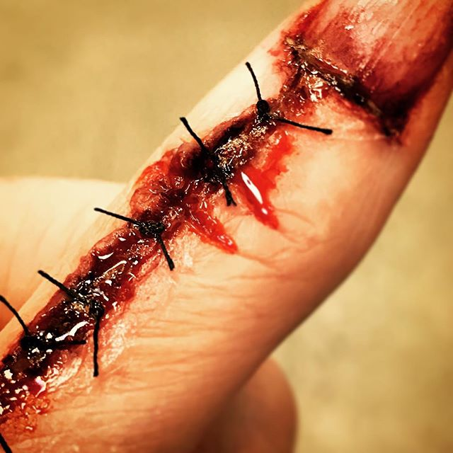 Stitch it up! #sfxmakeup #sfx #mua #makeupartist #makeup #kryolan #stitches #cuts #blood #ksfx #ksfxmakeup #specialeffectsmakeup