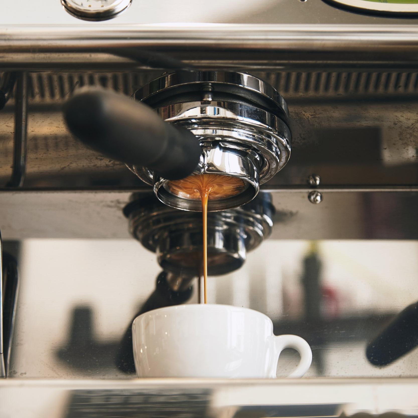 Coffee Pour - AdobeStock_107091768.jpeg