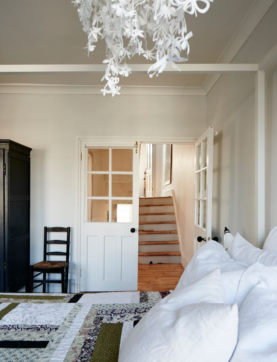 cassandra-ellis-peckham-house-hallway.jpg