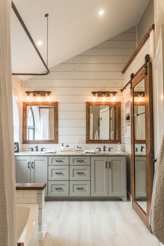 Sundling Studio - Thoughts on Shiplap - Painted Bath 1.jpg