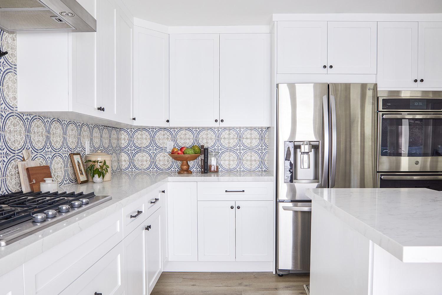 Modern Spanish kitchen interior design project by Sundling Studio located in California.