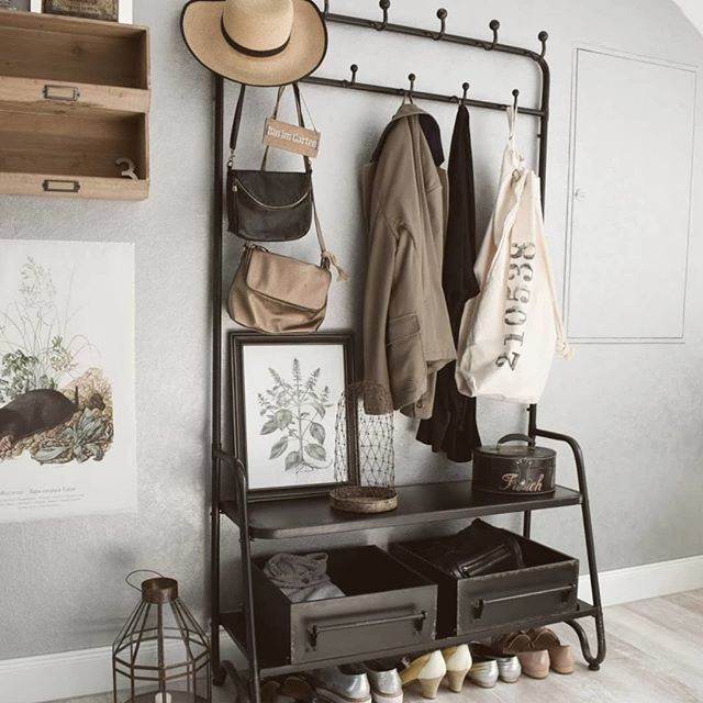 This coat rack by @dutchbone is a great option for optimising your #hallwaystorage with plenty of space for coats, school backpacks and shoes too. ⠀⠀⠀⠀⠀⠀⠀⠀⠀ .⠀⠀⠀⠀⠀⠀⠀⠀⠀ Photo credit: @eclectic_hamilton⠀⠀⠀⠀⠀⠀⠀⠀⠀ .⠀⠀⠀⠀⠀⠀⠀⠀⠀ .⠀⠀⠀⠀⠀⠀⠀⠀⠀ .⠀⠀⠀⠀⠀⠀⠀⠀⠀ .⠀⠀⠀⠀⠀⠀⠀⠀⠀ .⠀⠀⠀⠀⠀⠀⠀⠀⠀ .⠀⠀⠀⠀⠀⠀⠀⠀⠀ . ⠀⠀⠀⠀⠀⠀⠀⠀⠀ #editlondon #homedecor #konmari #homedesign #lessismore #tidying #tidyinspiration #personalorganiser #personalorganizer #livewithless #simplify #storageideas #clutternomore #myinspiredhouse #declutter #declutterlikeamother #tidy #stayorganized #decluttering #houzz #howyouhome #loveyourhabitat #decluttermylife #thelifechanginghabitoftidyingup #hygge #tidyhome #tidybedroom #unclutter #editlondonloves